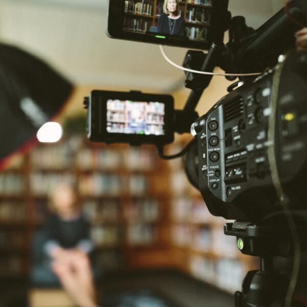 Ex-journalist geeft tips: hoe zorg je voor een geslaagd tv-interview?
